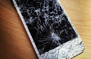 ludostore-vollvik-nettavisen-iphone-drit-darlig-produkt-telefon