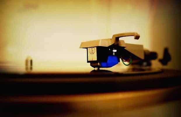 Papiravisen-snart-like-kul-som-vinylen-HansPetter