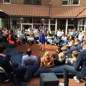 Ingeborg Volan leverte et fabelaktig foredrag om en panikkartet norsk mediebransje.